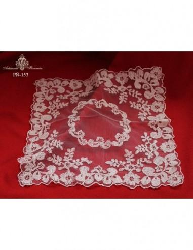 Pañuelo bordado artesanal con hilo de...